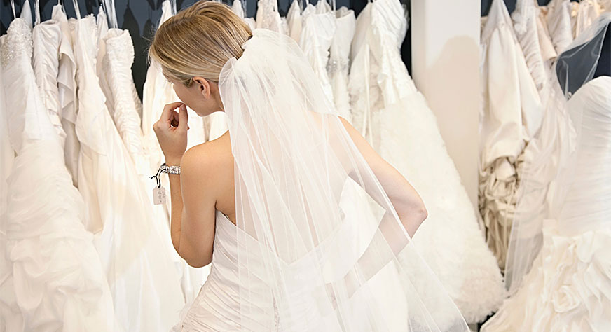 Vestido de novia que baila solo
